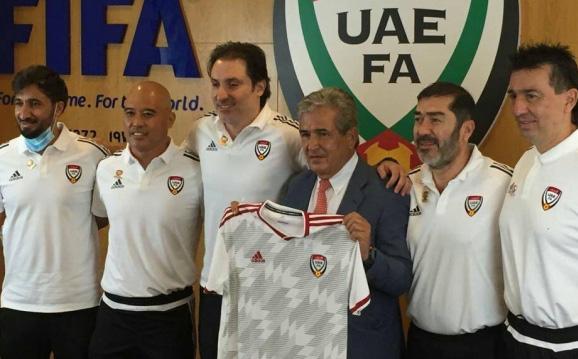NÓNG: HLV UAE lâm cảnh oái oăm, bị sa thải khi chưa có trận chính thức nào