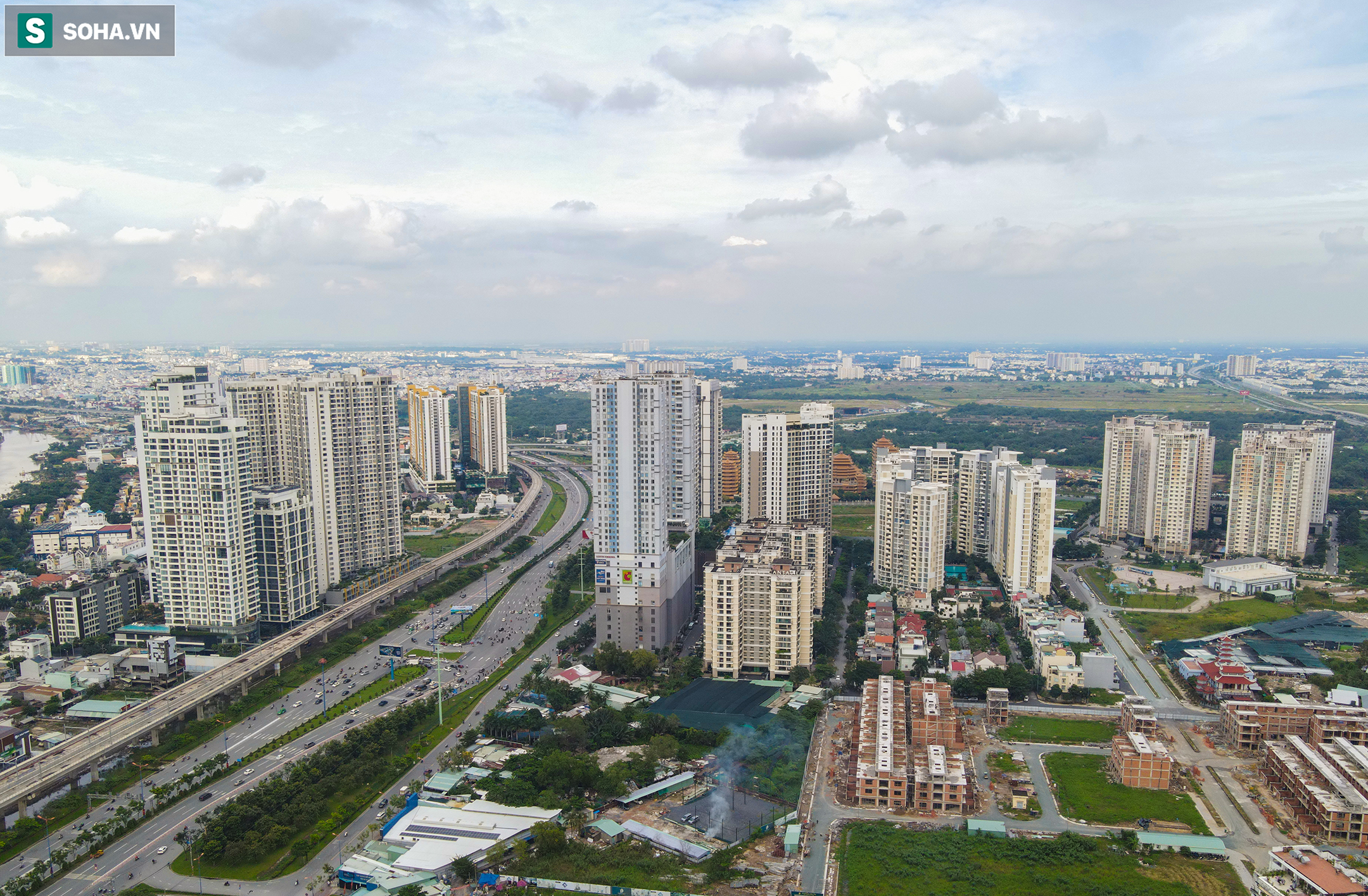 Cao ốc, chung cư vây chặt metro số 1, giao thông khu Đông TP.HCM bắt đầu ngạt thở - Ảnh 6.