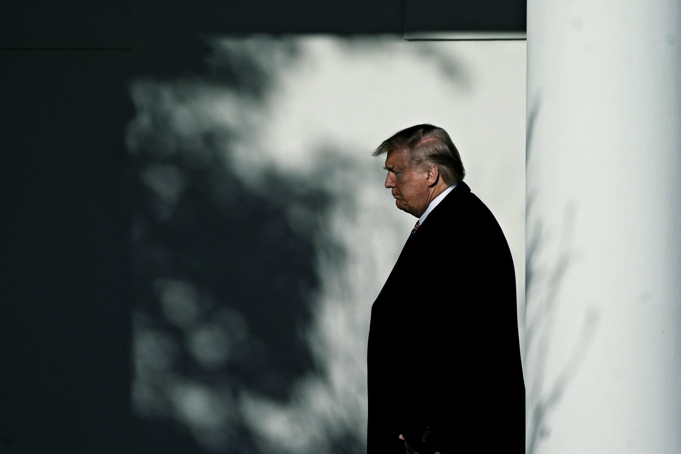 Tạm biệt Donald Trump: Khép lại 4 năm khác biệt trong lịch sử nước Mỹ - Ảnh 2.