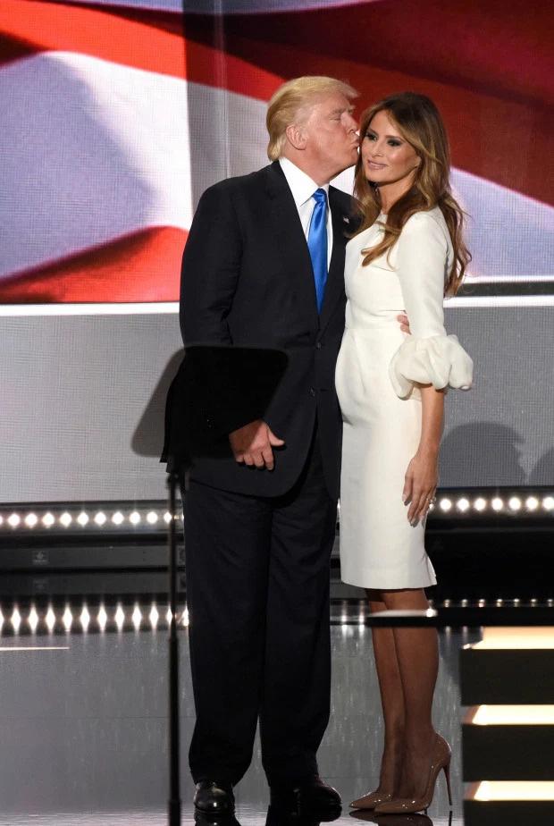 Chụp ảnh khỏa thân, nói 6 ngôn ngữ và những điều ít biết về Đệ nhất phu nhân Melania Trump - Ảnh 7.