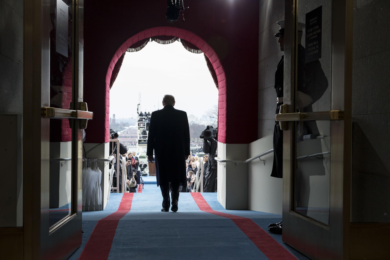 Tạm biệt Donald Trump: Khép lại 4 năm khác biệt trong lịch sử nước Mỹ - Ảnh 8.
