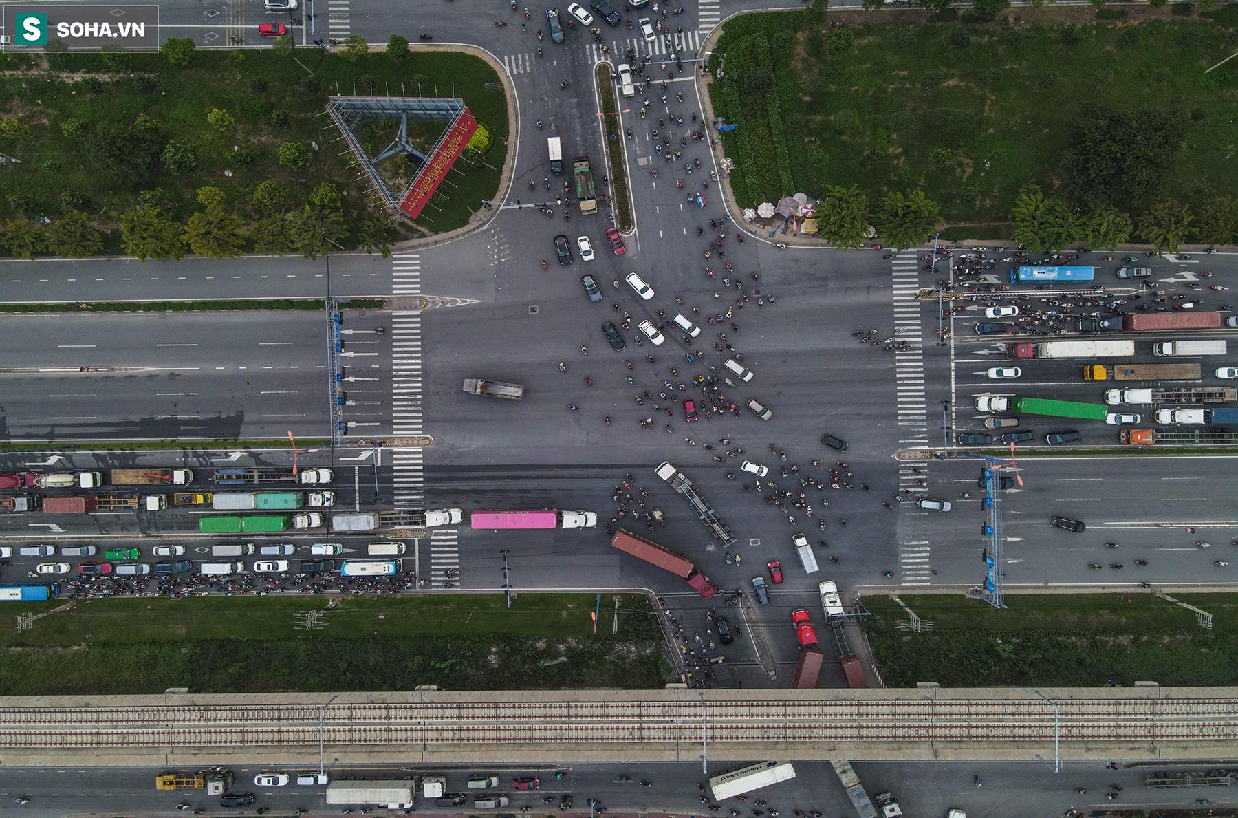 Cao ốc, chung cư vây chặt metro số 1, giao thông khu Đông TP.HCM bắt đầu ngạt thở - Ảnh 16.