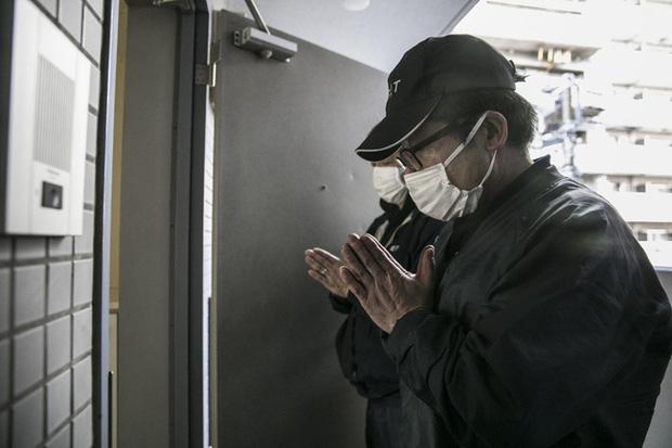 Cô gái làm nghề dọn dẹp nhà cửa hậu những cái chết cô độc ở Nhật: Trên cả công việc làm công ăn lương là vô vàn nỗi niềm dành cho người đã khuất - Ảnh 2.