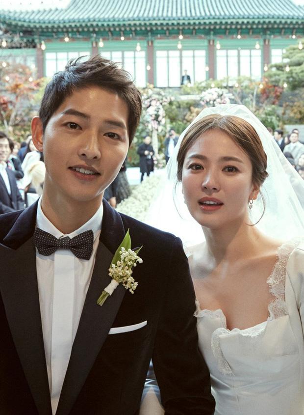 Dân mạng đào lại nguyên nhân ly hôn của Song Joong Ki - Song Hye Kyo qua tin nhắn xin lỗi của bố chồng - Ảnh 1.