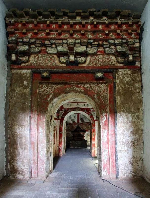 Điều bất ngờ trong lăng mộ trống khiến nhà khảo cổ vò đầu bứt tai - Ảnh 2.