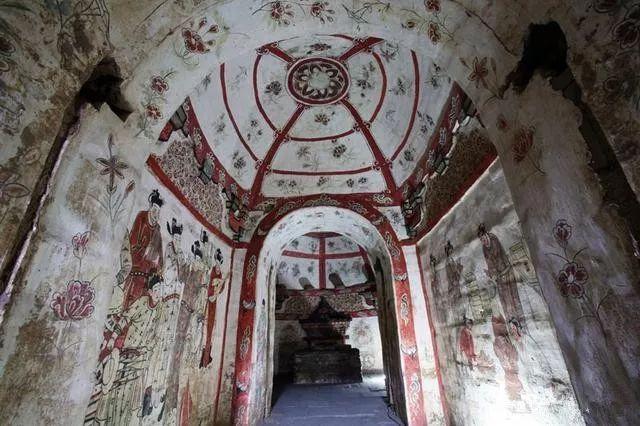 Điều bất ngờ trong lăng mộ trống khiến nhà khảo cổ vò đầu bứt tai - Ảnh 4.