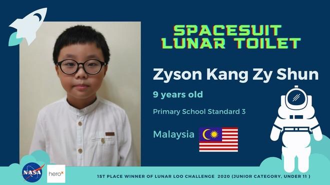 Cậu bé 9 tuổi người Malaysia chiến thắng cuộc thi thiết kế toilet trên Mặt trăng của NASA - Ảnh 1.