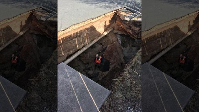 Khu phố đột ngột mất nước, người dân gọi thợ đến sửa để rồi phát hiện cả một kỳ quan thiên nhiên ở ngay dưới mặt đường - Ảnh 3.