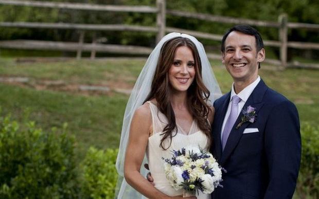 Điều ít biết về nàng dâu xinh đẹp khiến ông Joe Biden phải nói lời cảm ơn vì đã cảm hóa con trai mình cùng chàng rể xuất chúng không kém - Ảnh 4.