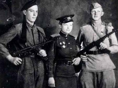 Nữ chỉ huy lính thủy đánh bộ duy nhất của Liên Xô - Ảnh 2.