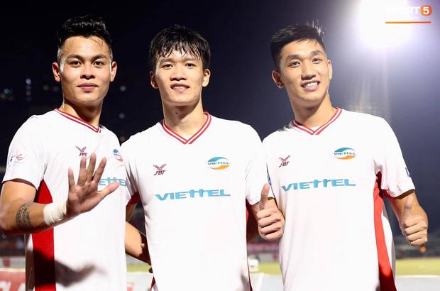Quế Ngọc Hải bật khóc, Tiến Dũng ăn mừng đầy cảm xúc khi giúp CLB Viettel vô địch V.League 2020 - Ảnh 8.