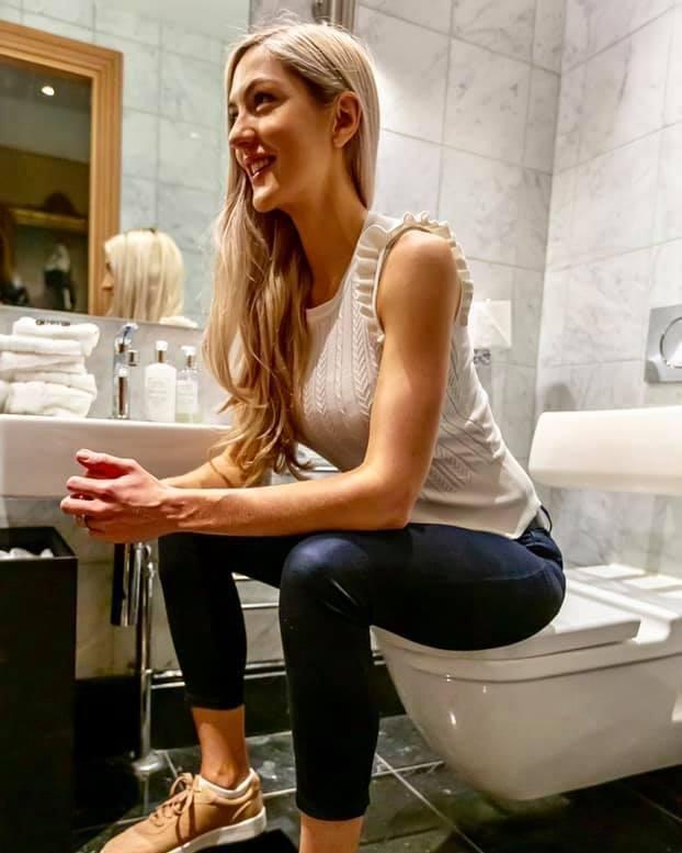 Bác sĩ xinh đẹp đăng ảnh trong phòng tắm thu hút nghìn like: Lời khuyên về chứng bệnh nhạy cảm hàng triệu người mắc - Ảnh 3.