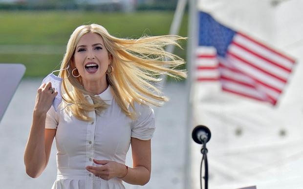 Động thái khó hiểu của nữ thần Ivanka Trump khi đối thủ của cha giành chiến thắng, trở thành chủ nhân mới của Nhà Trắng - Ảnh 2.