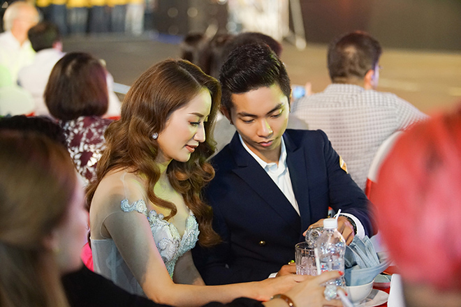 Chồng trẻ kém 12 tuổi của Khánh Thi và sự thật đằng sau hình ảnh lôi thôi lếch thếch - Ảnh 9.