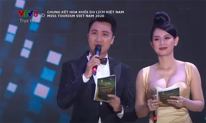 Danh tính nữ MC gây bàn tán khi mặc nóng bỏng trên sóng trực tiếp của VTV - Ảnh 1.