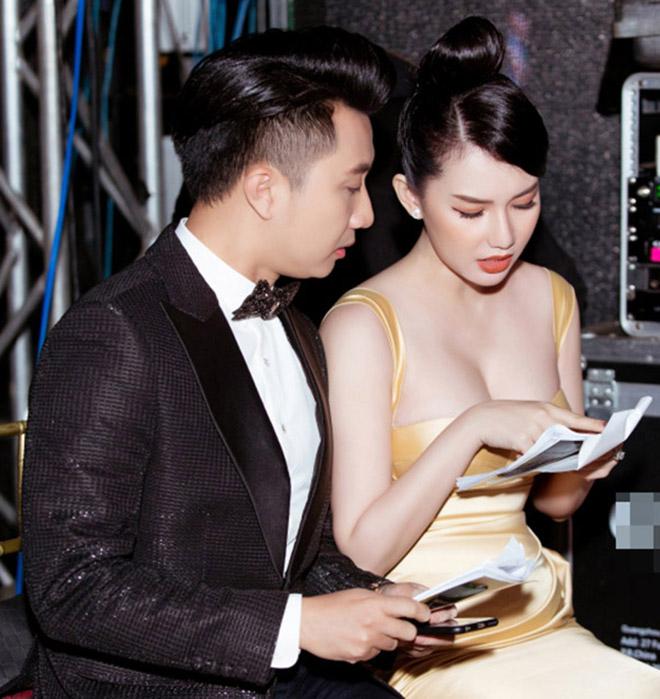 Danh tính nữ MC gây bàn tán khi mặc nóng bỏng trên sóng trực tiếp của VTV - Ảnh 2.