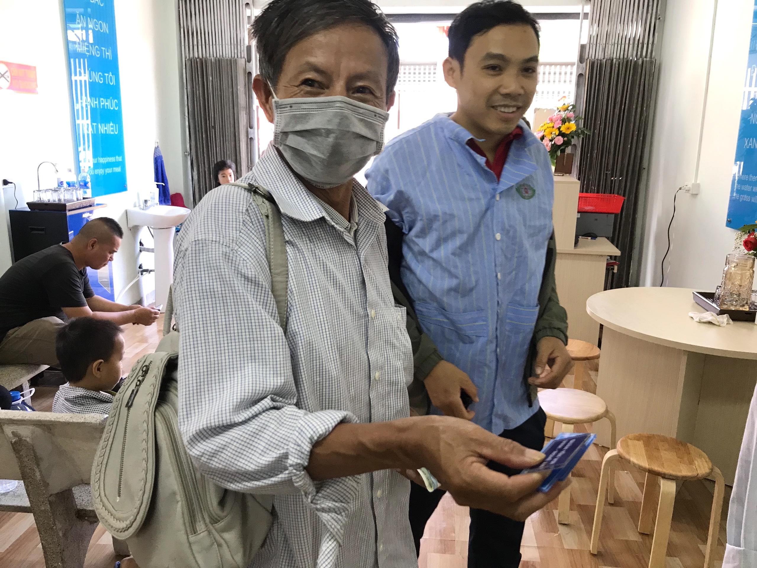 Quán cơm 2000 đồng đầu tiên ở Nghệ An: Ai không có tiền vẫn mời họ vào ăn - Ảnh 18.