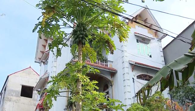 Vụ hộ nghèo ở căn nhà 3 tầng đồ sộ tại Bắc Giang: Chủ tịch xã xin lỗi toàn thể nhân dân - Ảnh 1.