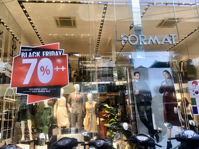 Hậu Black Friday, người dân phát bực với chiêu trò giảm giá ảo - Ảnh 1.