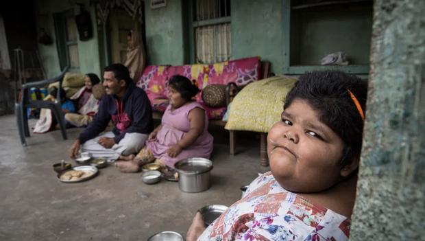 Gia đình nghèo có 3 con bị bệnh béo phì, bố đòi bán thận kiếm tiền cứu chữa từng thu hút sự chú ý của truyền thông thế giới giờ ra sao? - Ảnh 14.
