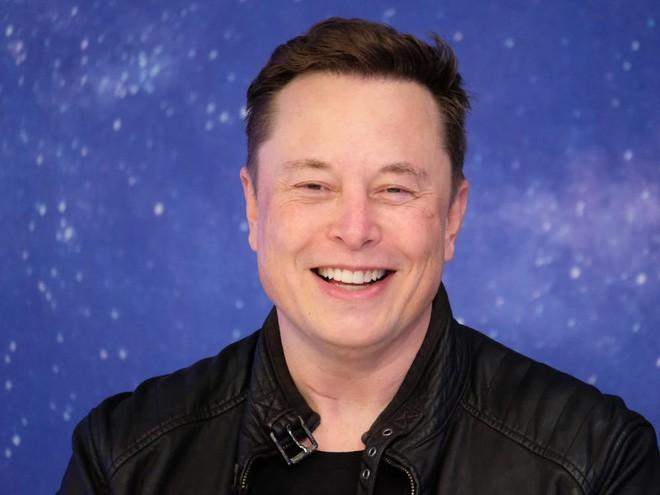 Elon Musk: Tôi sẽ vào vũ trụ sau 2-3 năm nữa và muốn được chôn trên sao Hỏa sau khi chết - Ảnh 3.
