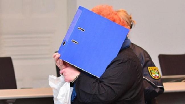 Tò mò chiếc bọc nilon trữ trong tủ lạnh nhà bạn gái, người đàn ông mở ra phát hiện cảnh tượng rợn người, hé lộ chân tướng bị giấu kín 14 năm - Ảnh 2.