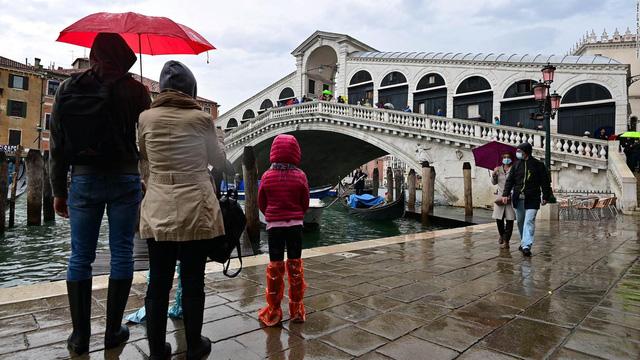 Thành phố Venice lại thất thủ trước triều cường vì... dự báo sai - Ảnh 13.
