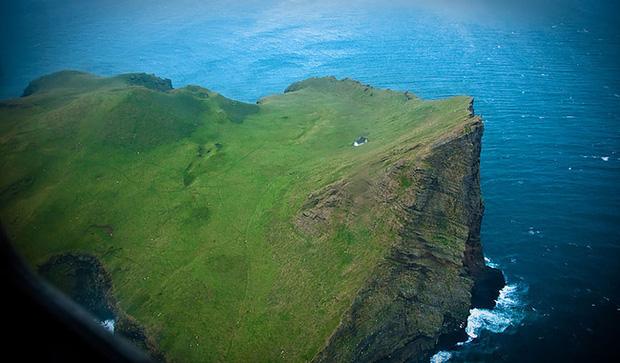 Sự thật về ngôi nhà cô độc bí ẩn nhất thế giới, nằm trơ trọi giữa hòn đảo hoang đẹp như tiên cảnh, khác xa với đồn đoán của dân mạng - Ảnh 7.