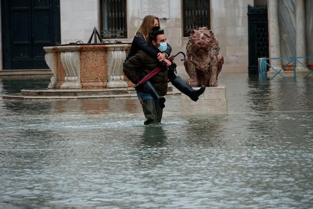 Thành phố Venice lại thất thủ trước triều cường vì... dự báo sai - Ảnh 8.