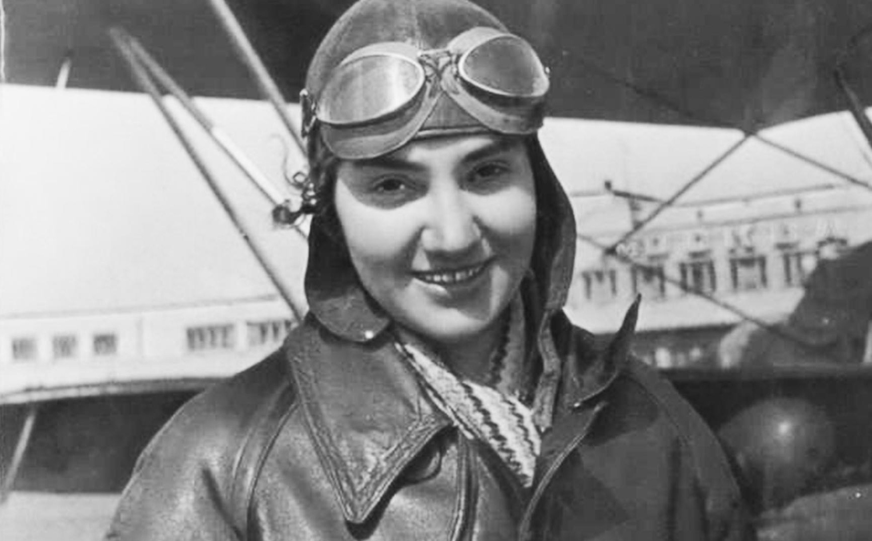 Dám đối đầu với nguyên soái Liên Xô, nữ phi công không bao giờ được phong tướng