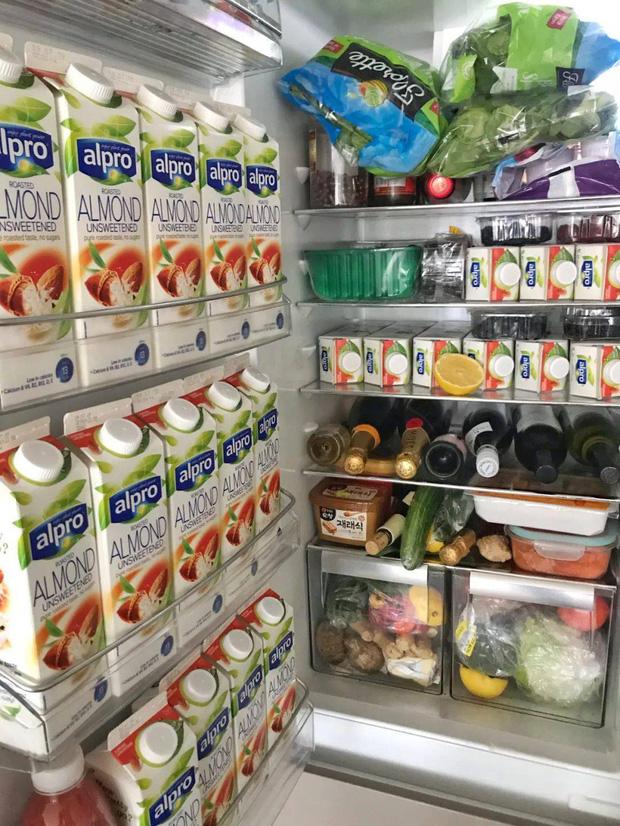 Hội FA xứ Trung khoe tủ lạnh: Người dùng bảo quản chăn bông và ô tô đồ chơi, kẻ lấy chỗ tích trữ đồ ăn cho quàng thượng - Ảnh 9.