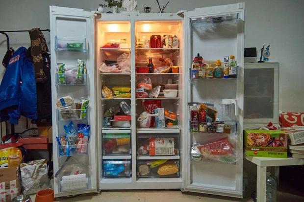 Hội FA xứ Trung khoe tủ lạnh: Người dùng bảo quản chăn bông và ô tô đồ chơi, kẻ lấy chỗ tích trữ đồ ăn cho quàng thượng - Ảnh 10.