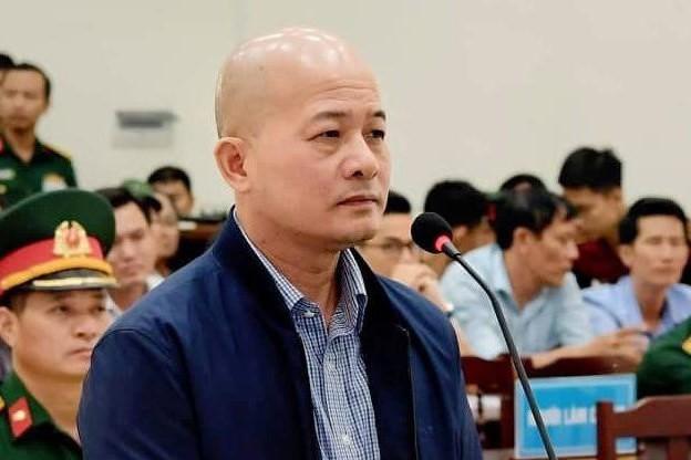 Di lý cựu Bộ trưởng Đinh La Thăng, Út 'trọc' vào TPHCM - Ảnh 1.