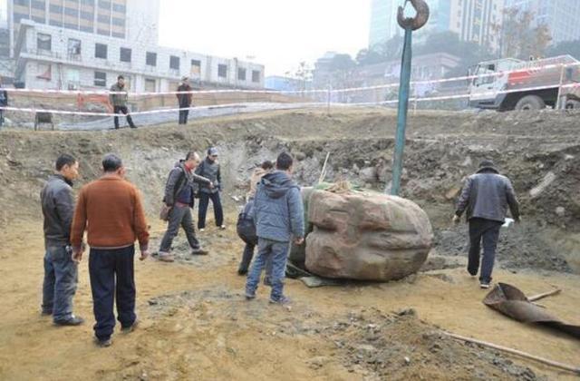 Khai quật vật thể 8 tấn bí ẩn: 40 năm sau, sự thật về thần thú liên quan đến Tần Thủy Hoàng mới hé lộ - Ảnh 1.