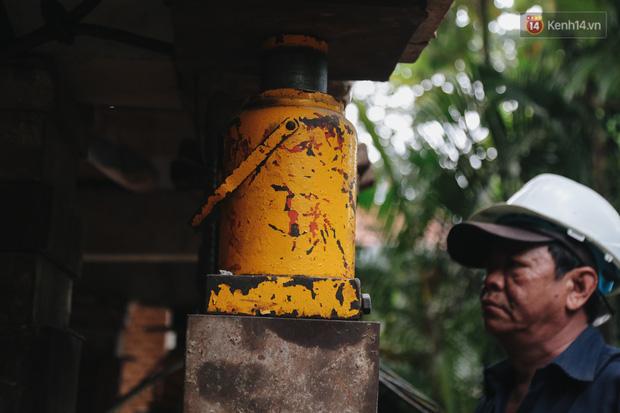 Cận cảnh căn biệt thự ngàn tấn ở phố nhà giàu Sài Gòn được thần đèn nâng cao 2m để chống ngập - Ảnh 5.