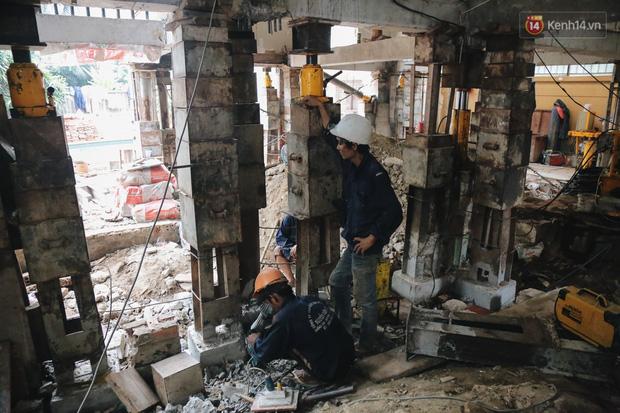Cận cảnh căn biệt thự ngàn tấn ở phố nhà giàu Sài Gòn được thần đèn nâng cao 2m để chống ngập - Ảnh 6.