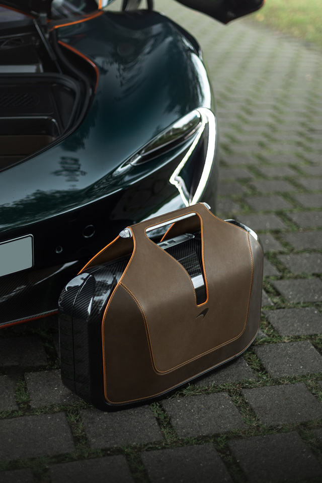 Buôn siêu xe lời bạc tỷ: McLaren Speedtail lên sàn xe cũ với giá gấp đôi xe mới - Ảnh 7.