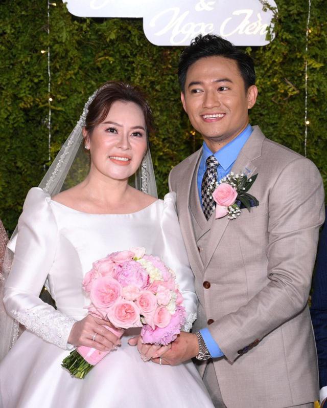 Hình ảnh đời thường của vợ diễn viên Quý Bình: Lúc sang chảnh khi lại giản dị bất ngờ - Ảnh 3.