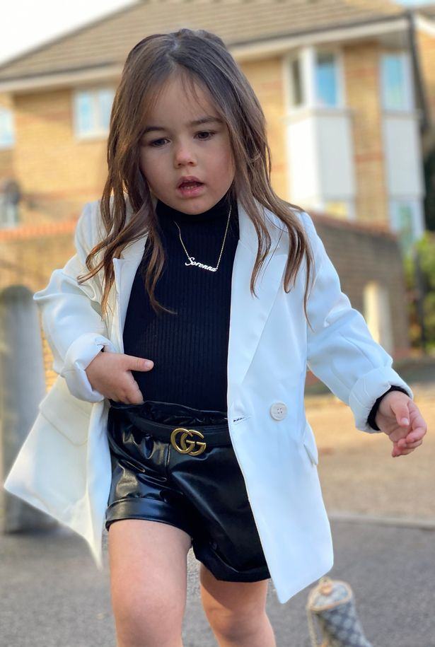 Mẹ trẻ chi hơn 600 triệu đồng sắm quần áo hàng hiệu cho con gái 3 tuổi - Ảnh 5.