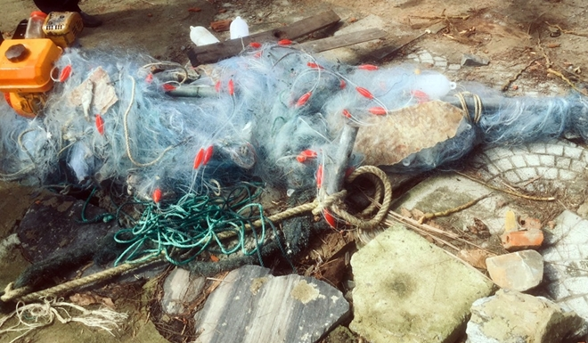 Tìm thấy thi thể người anh trong vụ lật thuyền thúng trên sông Thu Bồn - Ảnh 1.