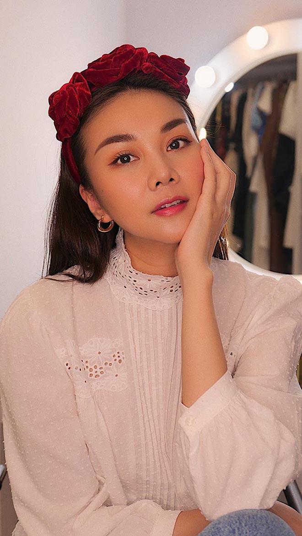 Siêu mẫu Thanh Hằng ở tuổi 37: Chưa lấy chồng, chăm khoe ảnh nóng bỏng - Ảnh 1.