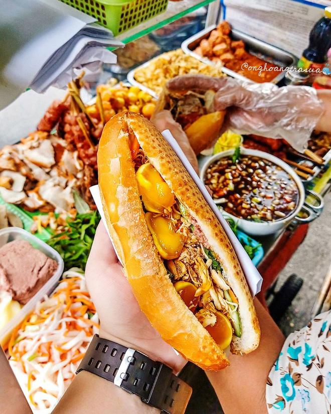 Điểm danh 4 xe bánh mì 'đỉnh của chóp' ở Sài Gòn, chỉ mới nghe thôi là muốn thưởng thức ngay - ảnh 8