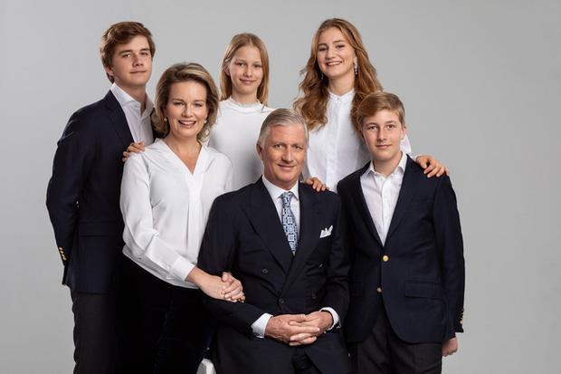 Ảnh mừng Giáng sinh và Năm mới của gia đình Quốc vương Bỉ.