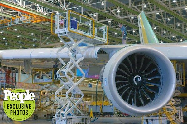 Cải tiến Không lực một: Bên trong quy trình sản xuất máy bay tổng thống thế hệ mới có gì đặc biệt? - Ảnh 3.