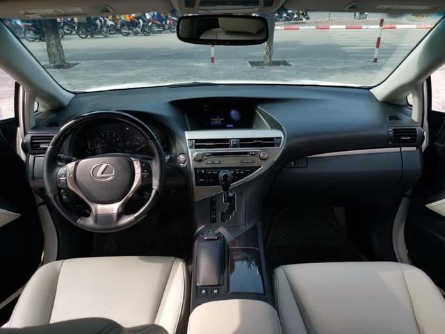 7 năm chạy hơn 60.000km, Lexus RX 350 cũ vẫn đắt giá hơn Mercedes-Benz GLC mới cả trăm triệu đồng - Ảnh 4.