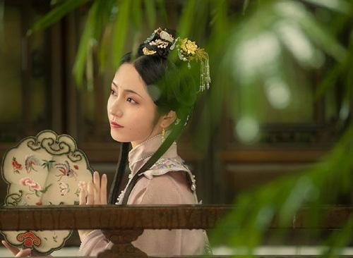 Say mê kỹ nữ đẹp tựa thiên tiên, hoàng đế bí mật làm việc táo tợn để hẹn hò với mỹ nhân - Ảnh 2.