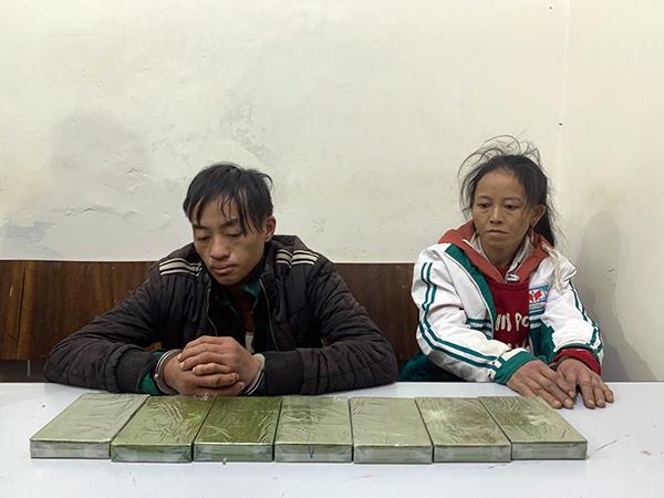 Chồng đang cai nghiện, vợ vẫn đi xách thuê 7 bánh heroin - Ảnh 1.