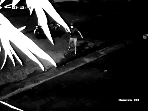 Vụ nam gymer xúc phạm gia đình nghệ sĩ Chí Tài: Cơ sở kinh doanh, nhà ở liên tục bị ném gạch đá và tạt mắm tôm, phải báo công an - Ảnh 2.
