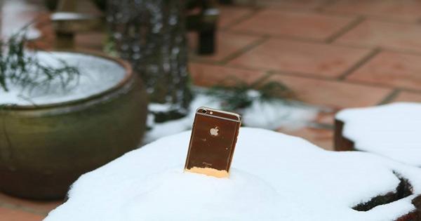 Vì sao cứ mùa đông là pin điện thoại lại tụt nhanh khủng khiếp? - Ảnh 1.