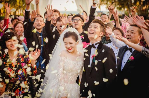 Năm 2020 phủ đen showbiz Hoa ngữ: Anh trai Minh Đạo giết vợ, Triệu Vy - Huỳnh Hiểu Minh ngoại tình và 1001 drama không hồi kết - Ảnh 19.